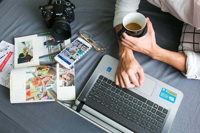 Công việc văn phòng thì không thể thiếu Laptop được rồi