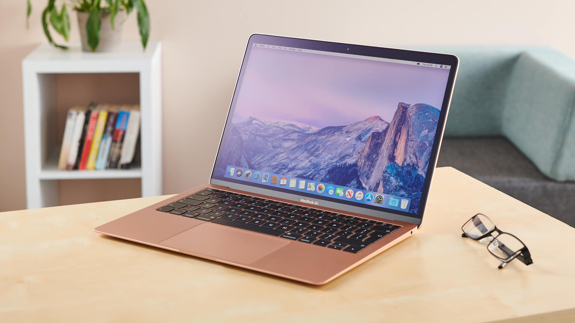 Macbook - Dòng laptop cao cấp